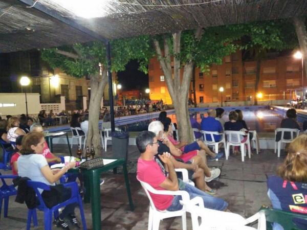 Una piscina municipal con mucha m sica la veu de ll ria for Piscina municipal lliria